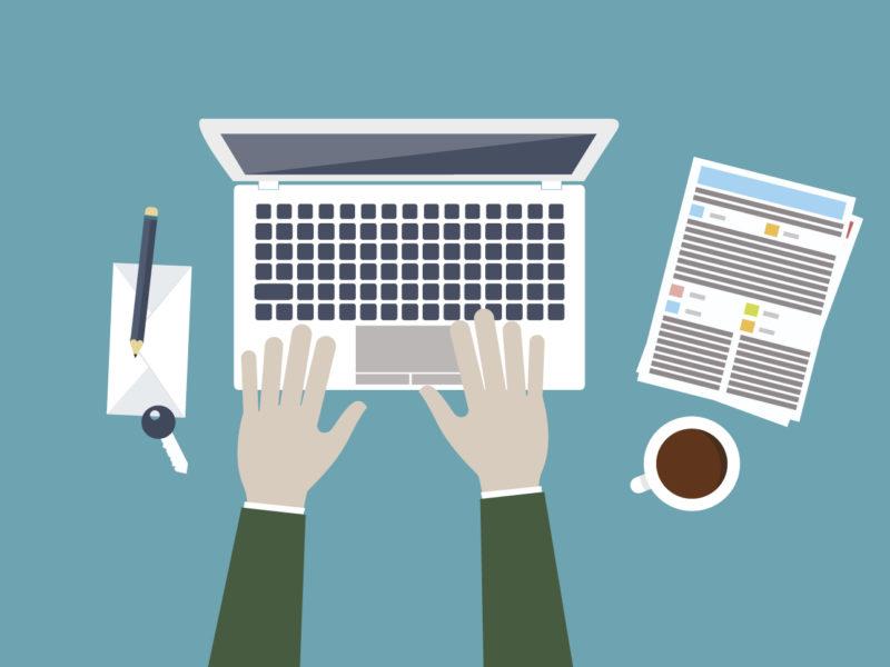 Professionelle Webtexte schreiben – Grafik von Autor am Laptop